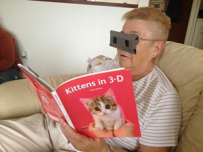 Foto Orang Tua Baru Tau Teknologi 9