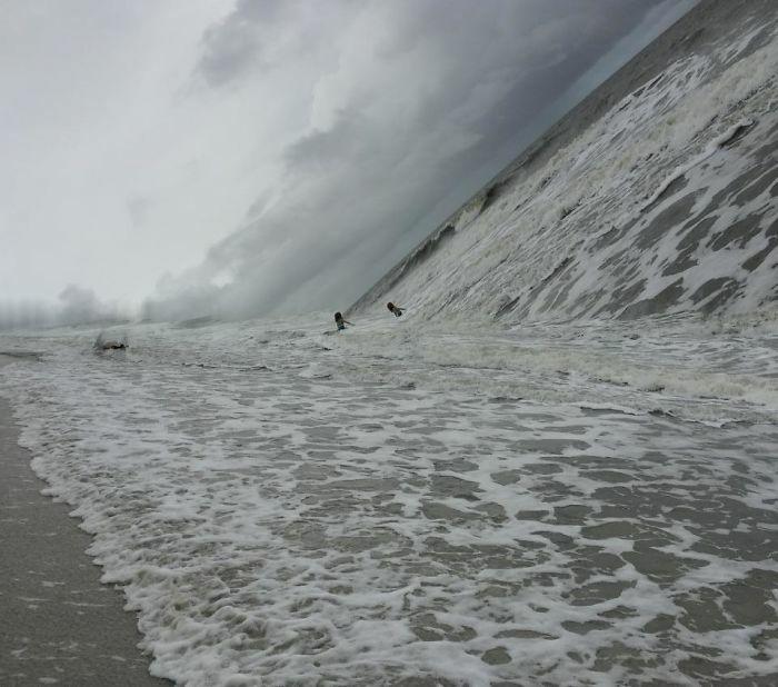 Ini Sih Serem Banget Kayak Ombak Sunami