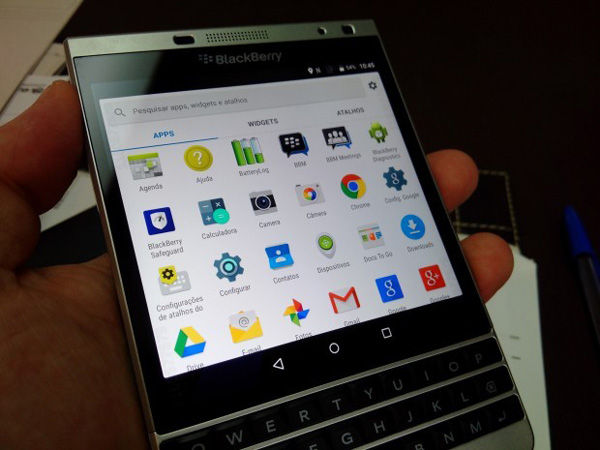 Blackberry Passport Silver Edition Android 3