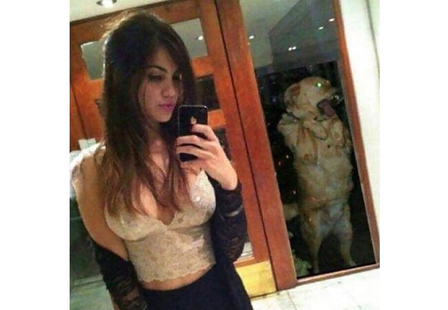 Selfie 2 32673
