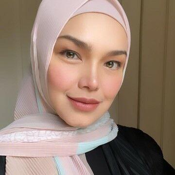 Siti Nurhaliza 17d77