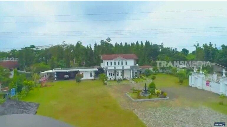 Rumah Irene Sukandar Aa825