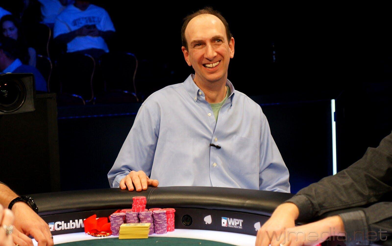Pemain Yang Mendapatkan Jutaan Dollar Dari Bermain Poker 4