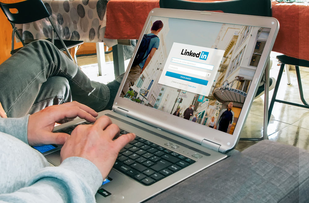 Lengkapi Informasi Profil Linkedin