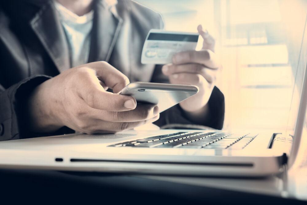 Kesulitan Membeli Karena Tidak Punya Kartu Kredit