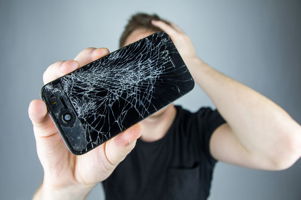 Nggak Mau Ganti Sampai Iphone Miliknya Rusak