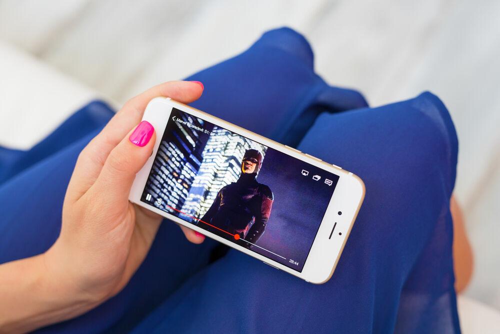 Orang Lebih Suka Nonton Video Di Smartphone