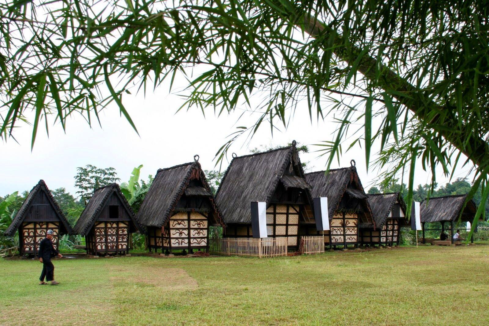 Tempat Wisata Sejarah Di Bogor 3
