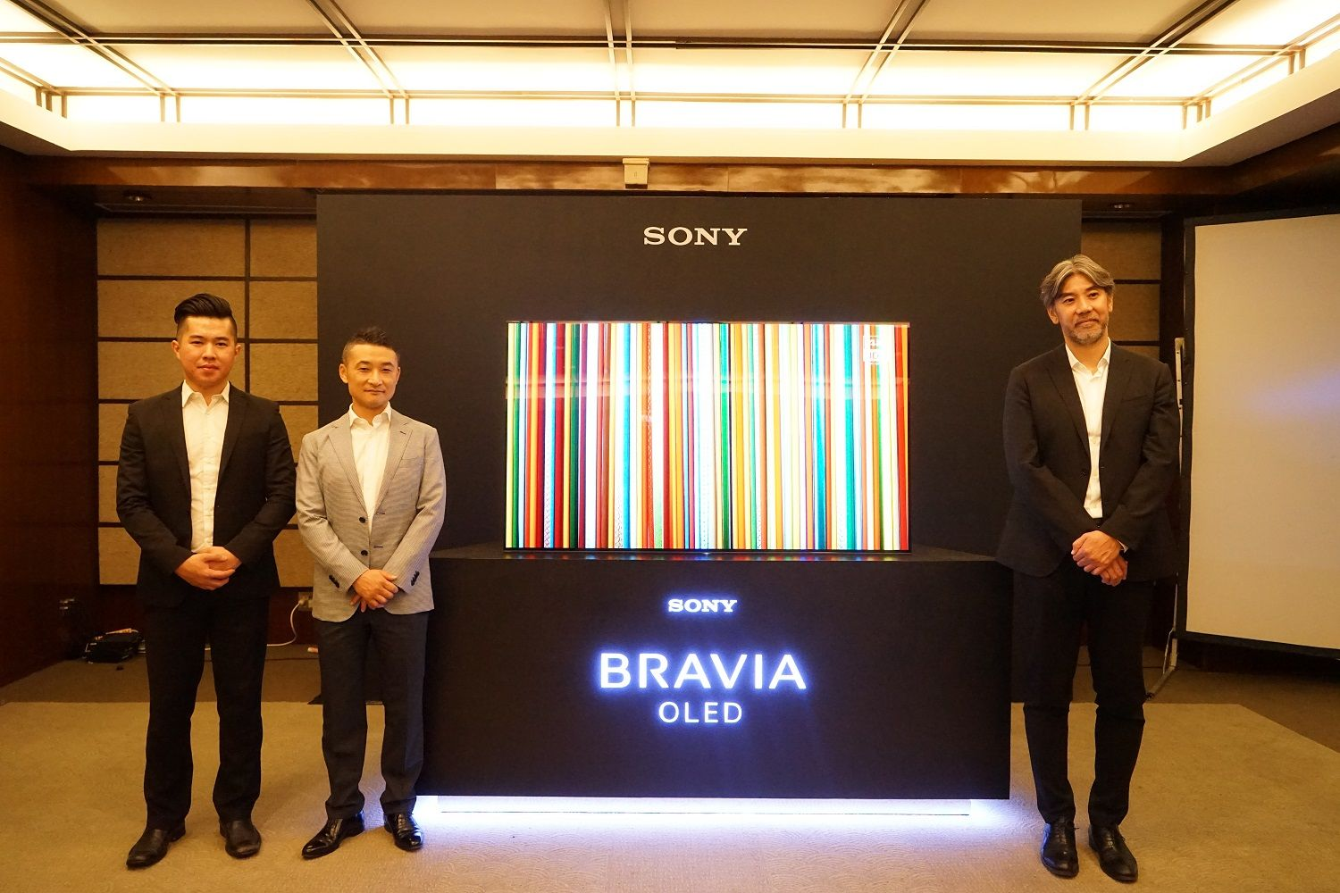 Ki Ka Riki Siuwandy Product Marketing Of Sony Indonesia Kentaro Hatanaka Marketing Director Of Sony Indonesia Kazuteru Makiyama President Director Of Sony Indonesia