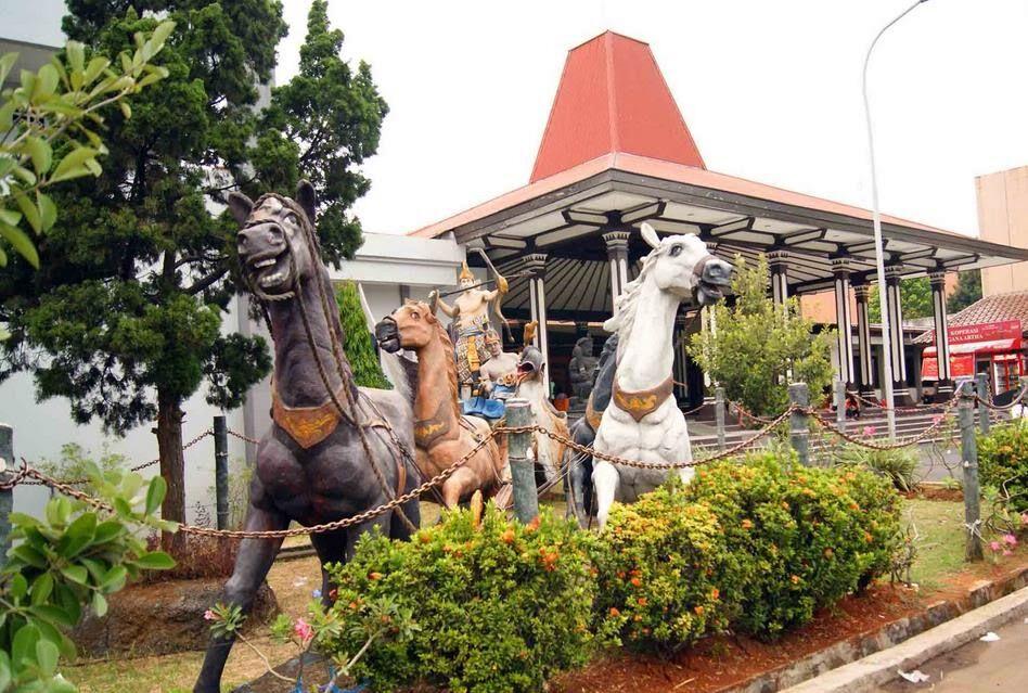 Wisata Sejarah Di Semarang Airy Rooms 5