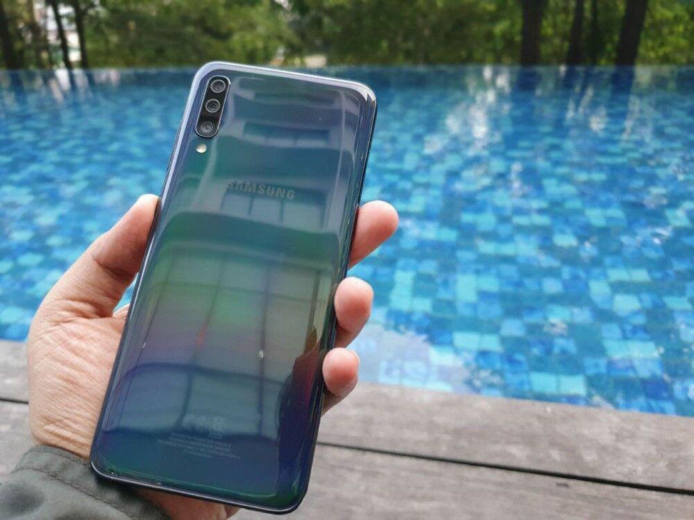 Unboxing Samsung Galaxy A70 04 5c5e0