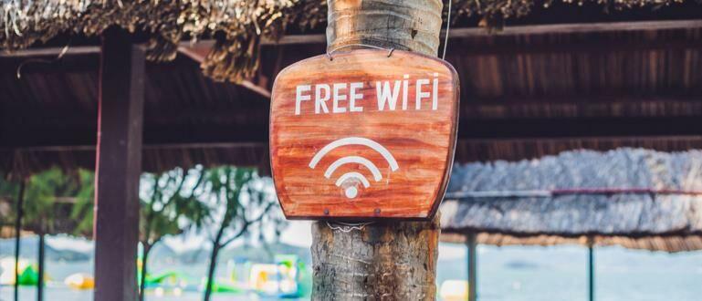 5 Alasan Kenapa Orang Suka Cari WiFi Gratisan