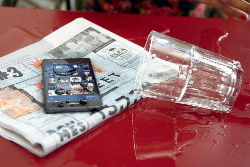 Smartphone di Tempat Lembab